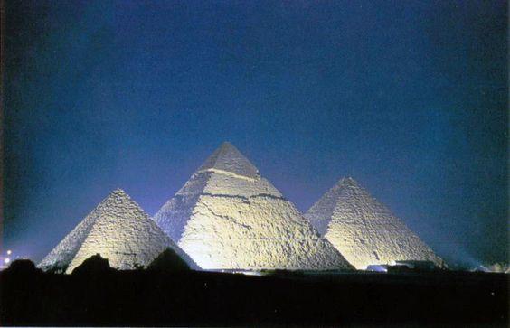 Viaje por la tarde al Espectáculo de Luz y Sonido de Giza