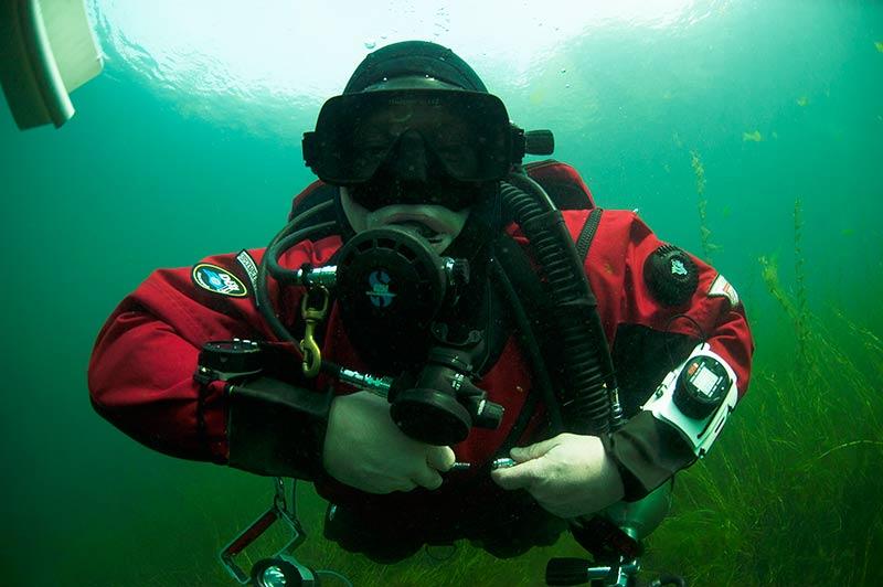 Курс Dry Suit Diver (погружения в сухом гидрокостюме)